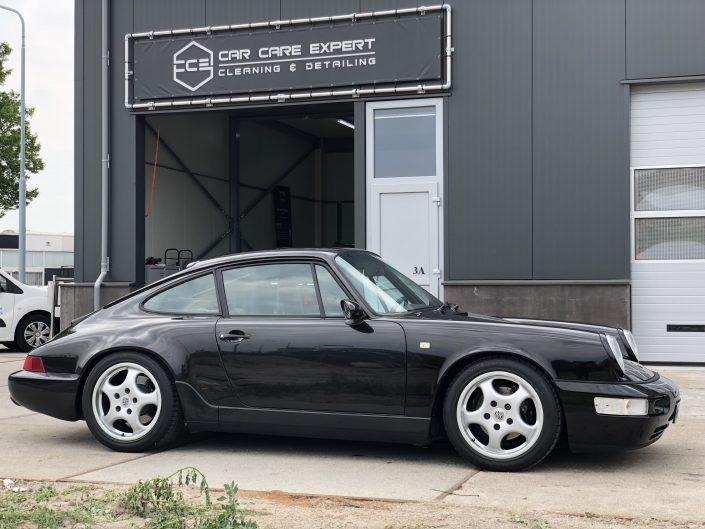 Porsche poetsen